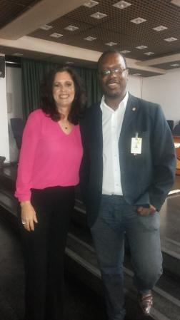 Com a Dra Mônica Bandeira de Mello, Ginecologista da FCECON e ativista da campanha de vainação gratuíta contra o HPV
